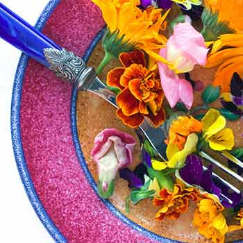 Blooming Delicious – Edible Flowers that Look Good and Taste Great