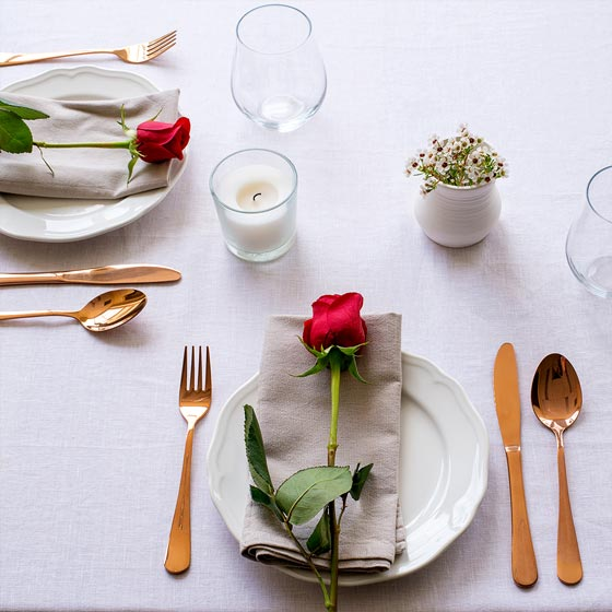valentines table setting with roses