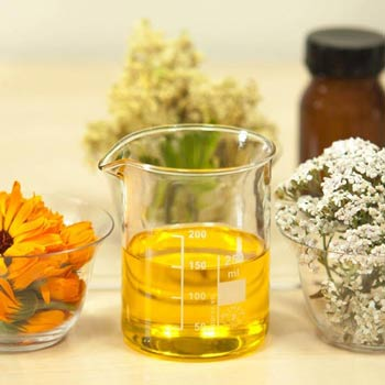 The Essential Oils of Flowers – History, Benefits and Uses